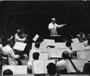 Serge Koussevitzky conducts the BSO at Tanglewood, ca. 1940. Photograph by Eric Schaal, courtesy BSO Archives